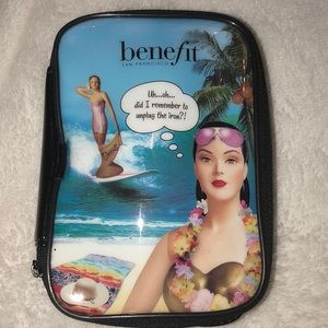 Benefit makeup bag USED IN MINT CONDITION
